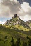 La montagna sola immagini stock