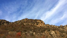 La montagne au pied de la Grande Muraille de Jinshanling image stock