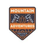 La montagne risque l'insigne d'isolement par vintage illustration stock