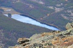 La moraine del lago es muy bonita Imagenes de archivo
