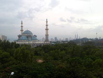 La mosquée de territoire fédéral, Kuala Lumpur Malaysia pendant le lever de soleil Images stock