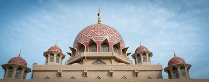 La mosquée ou le Masjid Putra de Putra ; la mosquée principale de Putrajaya, Malaisie Images stock