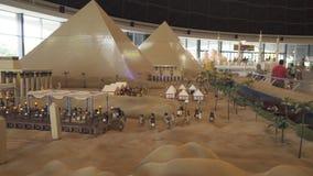 La mostra dei modelli dell'Egitto ha fatto dei pezzi di Lego in Miniland Legoland ai parchi ed alle località di soggiorno del Dub fotografie stock libere da diritti