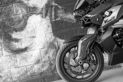 La moto de BMW de sport a photographié extérieur Photos stock