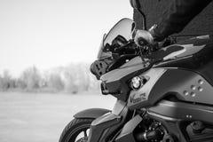 La moto de BMW de sport a photographié extérieur Photographie stock libre de droits