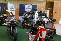La moto montrant à la cabine de Benelli à l'expo de moteur Image libre de droits