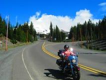 La motocicleta abajo monta el capo motor Fotos de archivo libres de regalías