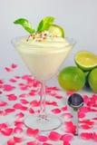 La mousse della vaniglia con colorato spruzza Fotografia Stock Libera da Diritti