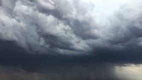 La mousson opacifie les premières précipitations dures image libre de droits