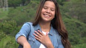 La muchacha adolescente con entrega el corazón Fotos de archivo libres de regalías