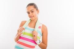 La muchacha adolescente sonriente entra para los deportes Fotos de archivo libres de regalías