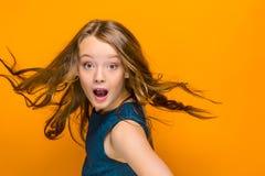 La muchacha adolescente sorprendida Foto de archivo libre de regalías