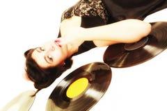 La muchacha con análogo del phonography registra al amante de la música Imagenes de archivo