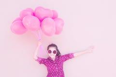 La muchacha con el corazón hincha serie Fotos de archivo libres de regalías