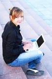 La muchacha con el cuaderno Foto de archivo libre de regalías