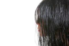 La muchacha con el pelo mojado Imagenes de archivo