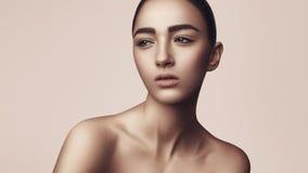 La muchacha con un maquillaje natural Imágenes de archivo libres de regalías