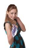 La muchacha con un paraguas aislado en blanco Fotografía de archivo