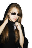 La muchacha de la manera tiene una ropa negra. Fotografía de archivo libre de regalías