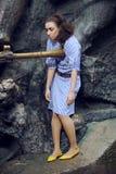 La muchacha del Afro con el egipcio compone Fotos de archivo libres de regalías