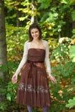 La muchacha en el bosque Fotografía de archivo