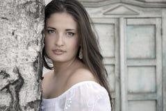 La muchacha en el estilo ruso Fotografía de archivo
