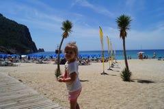 La muchacha en la playa de Cleopatra Fotografía de archivo