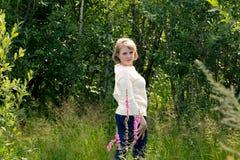 La muchacha en la naturaleza Fotos de archivo