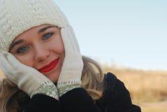 La muchacha en ropa del invierno Foto de archivo