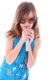 La muchacha está cantando Fotos de archivo