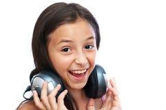 La muchacha está cantando la canción Imagen de archivo