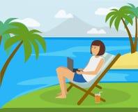 La muchacha feliz que trabaja en la playa en el ordenador en el paraíso ideal le gusta la ubicación de la isla ilustración del vector