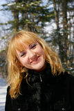 La muchacha hermosa joven fotografía de archivo libre de regalías