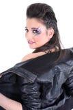 La muchacha hermosa joven desnuda la chaqueta de cuero negra Fotos de archivo