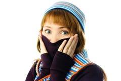 La muchacha hermosa siente frío Foto de archivo libre de regalías