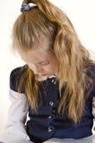 La muchacha lee el libro Imagenes de archivo
