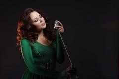 La muchacha que canta Imagenes de archivo