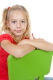La muchacha rubia está presentando Imagen de archivo