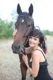 La muchacha y el caballo Imagen de archivo libre de regalías