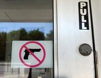 La muestra 'ningún arma 'en Chicago, IL imágenes de archivo libres de regalías