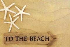 A la muestra de la playa imagenes de archivo