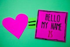 La muestra del texto que muestra a hola mi nombre es La foto conceptual se presenta reunión alguien el nuevo rosa g del amor de l imagenes de archivo