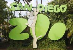 La muestra y el logotipo de San Diego Zoo en balboa parquean Fotos de archivo libres de regalías