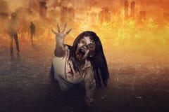 La mujer asiática del zombi es cólera Foto de archivo libre de regalías