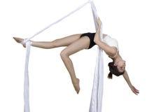 La mujer atlética que hace alguno engaña en las sedas Foto de archivo libre de regalías