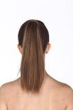 La mujer caucásica después de compone el pelo hace ningún retoque, los wi de la cara fresca Imagen de archivo