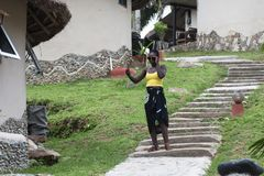 La mujer de Ghana toma las fotos de s? misma imagen de archivo libre de regalías