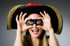 La mujer en traje del pirata Imagen de archivo libre de regalías