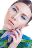 La mujer hermosa con colorido elegante compone Imágenes de archivo libres de regalías