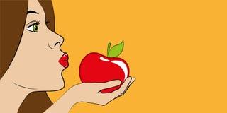 La mujer hermosa con los labios rojos come una manzana roja stock de ilustración